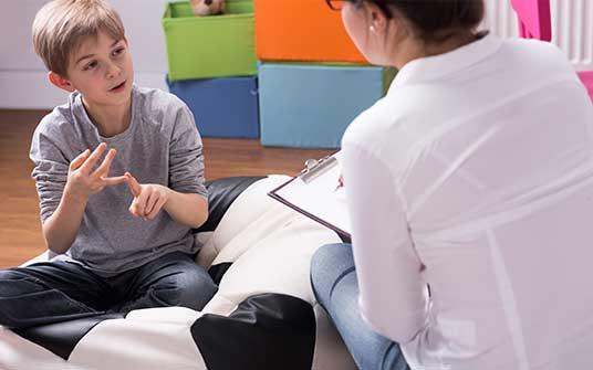 Har du et barn, som ikke trives? Som oplever angst, nedtrykthed eller har hyppige vredesudbrud? Der kan være tale om sociale udfordringer eller mobning.